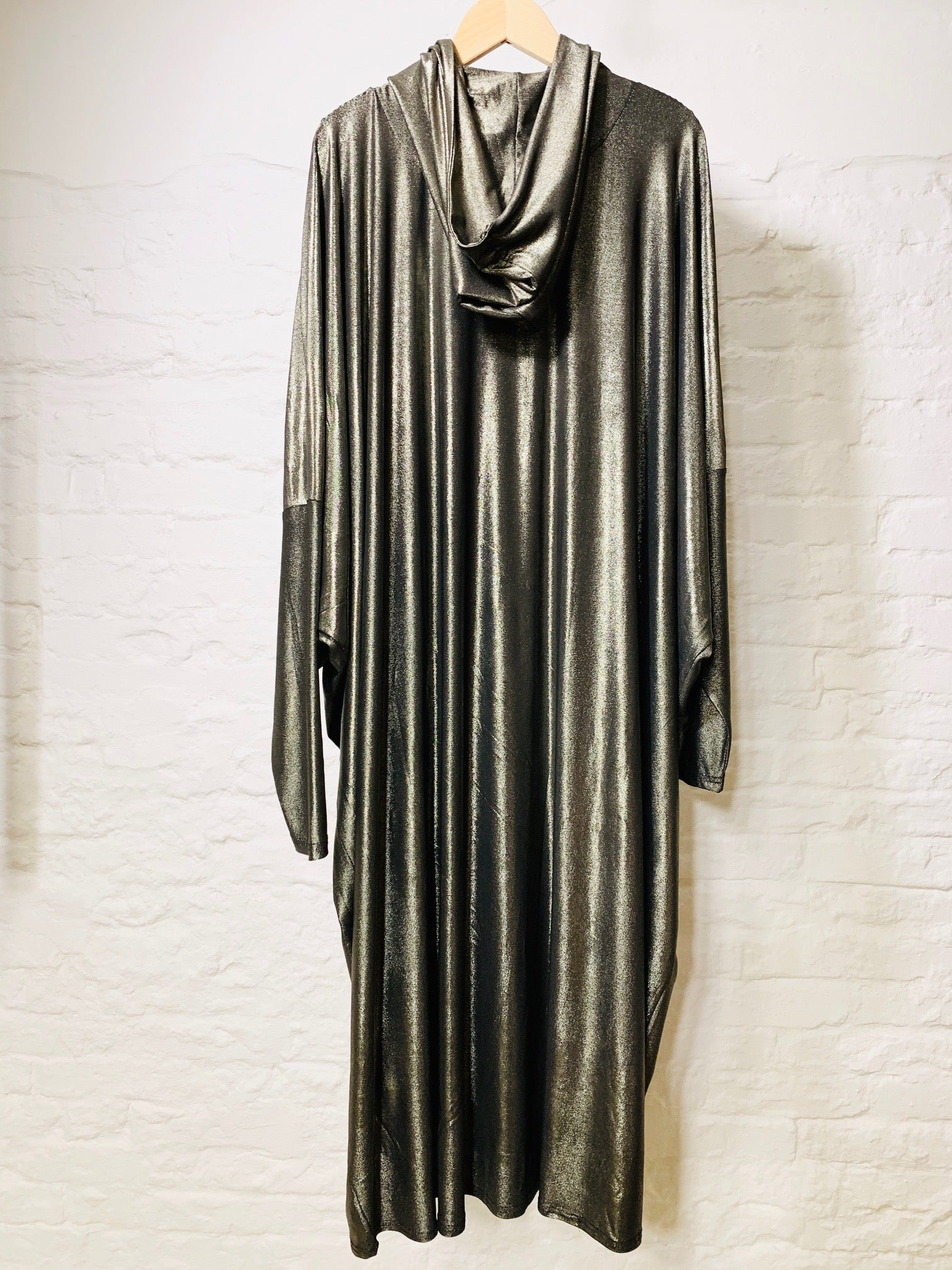 Athena Cape gold sleek