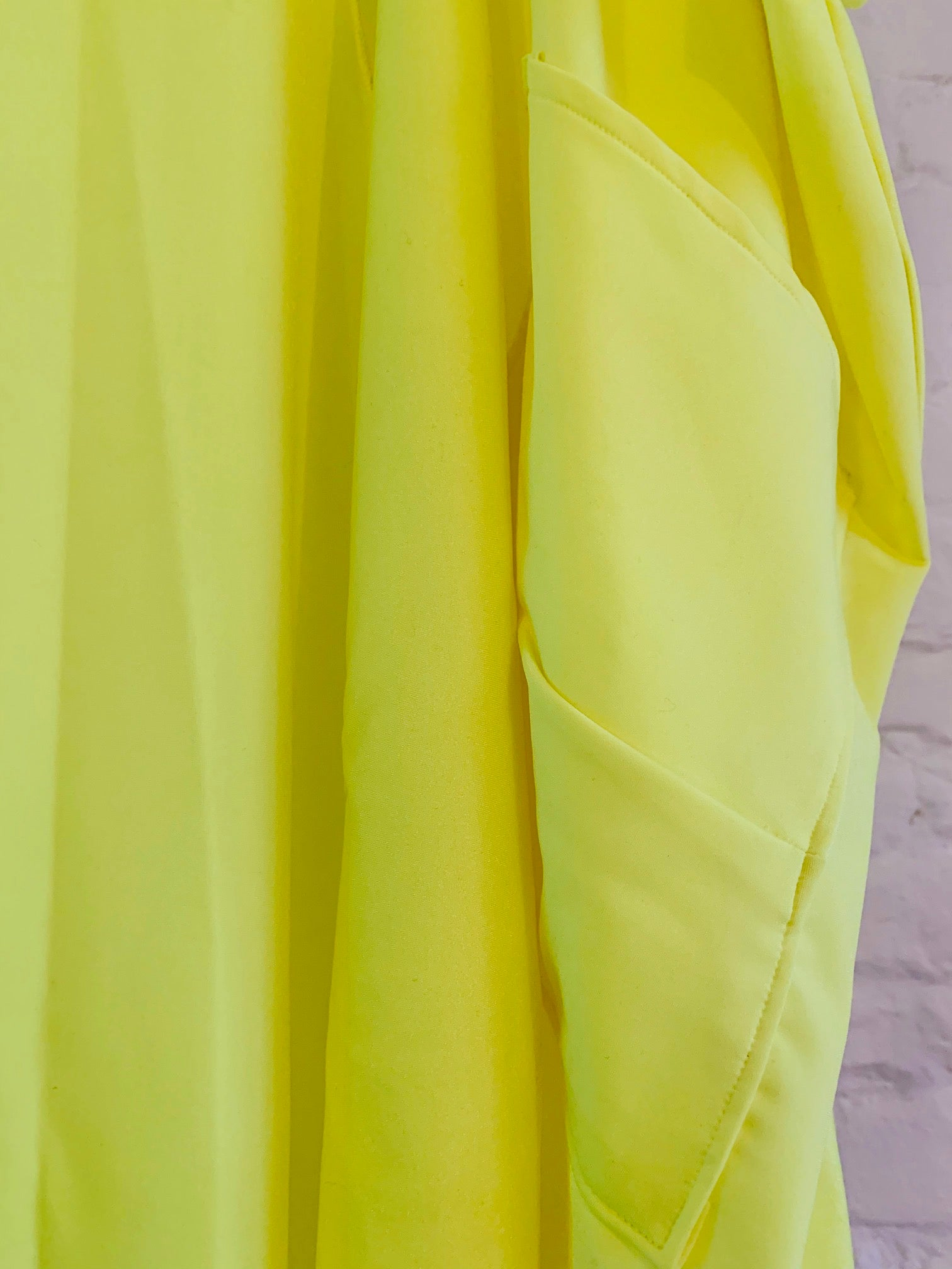 Milla cape neon yellow