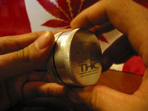 How To Roll A Joint - Image 1 - Toronto Hemp Company THC
