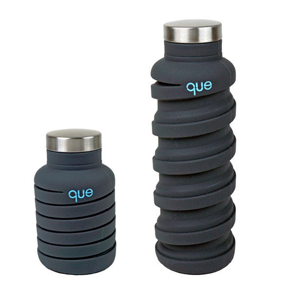 Que Water Bottle in Metallic Graphite