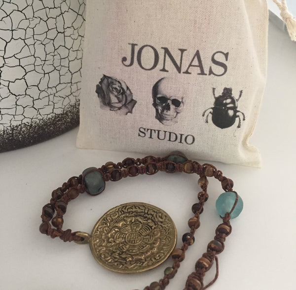 Beading with Jonas & Muse