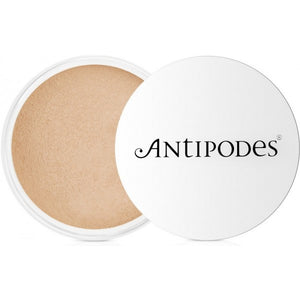 Antipodes Mineral Foundation Medium Beige 03