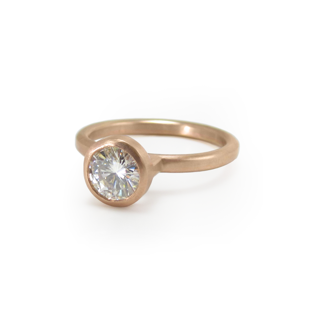 rose-engagement-ring-01.png