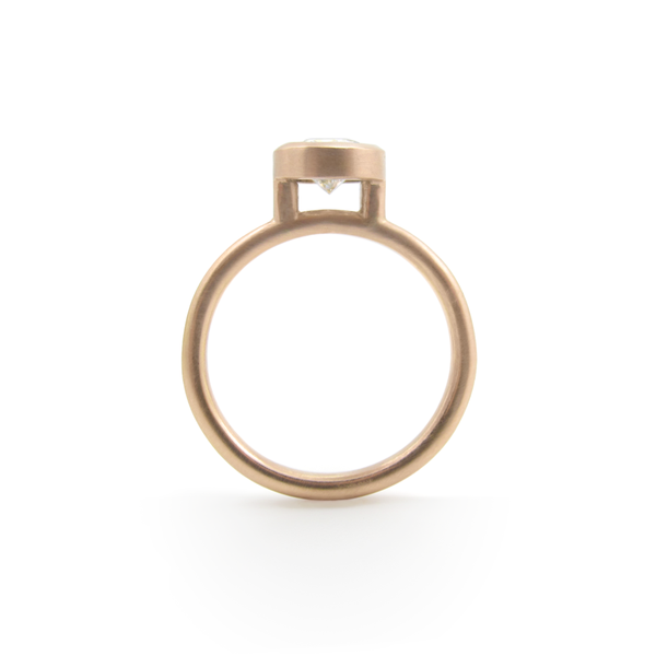 rose-engagement-ring-02.png