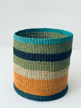 "Load image into Gallery viewer, Si Aida o si Lorna o si Fe 10"" Abaca Planter Baskets"