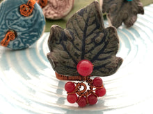 Load image into Gallery viewer, Ugu Bigyan Flora Azul Handmade Floral Ring