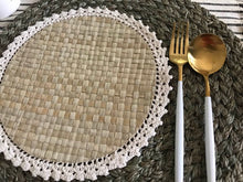 Load image into Gallery viewer, Pandan Crochet Placemat (set of 6)