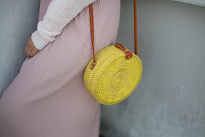 Redondo Dilaw Round Rattan Shoulder Bag