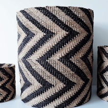 Load image into Gallery viewer, Chevron Black and Natural Color Abaca Hamper