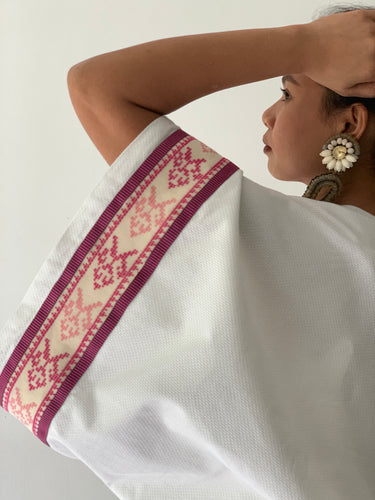 Maporma White Poncho in Anthill Retaso and Pink Marawi Strap