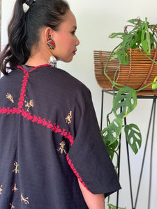 Pinas Sadya Handwoven Poncho In Black with Red Accent