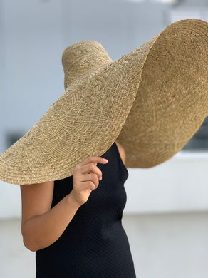 LAST PIECE! Amazingly Huge Beach Hat (3ft)