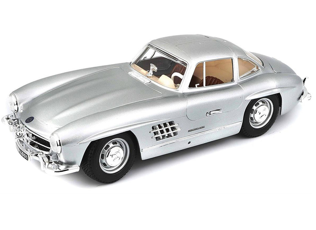 Mercedes Benz 300 SL Silver 1954 (scale 1 : 18)