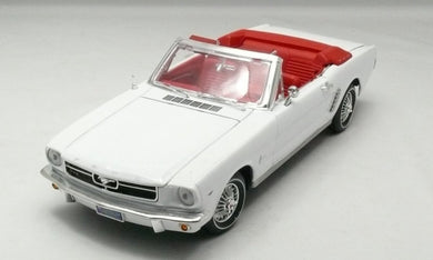 Ford Mustang 1964 1/2 (Limited Edition) White (scale 1 : 18)
