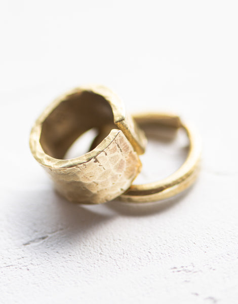 PTC - TEXTURED BRASS BAND RING (WIDE)