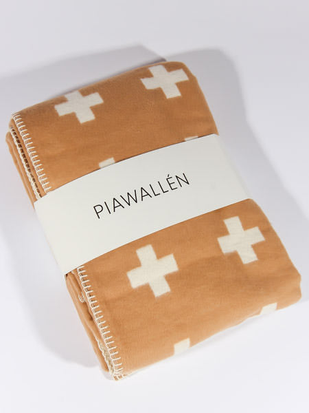PIA WALLEN - CROSS BLANKET
