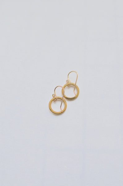 SIMPLY SVEA - TINY HOOP EARRINGS (BRASS)