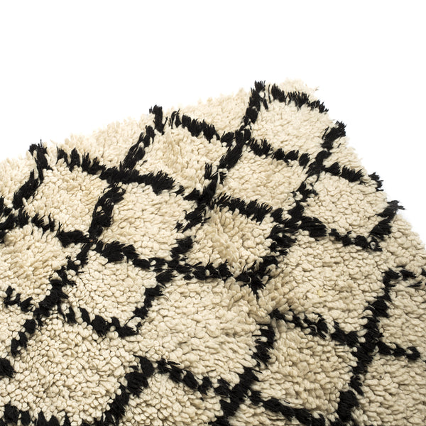 VINTAGE MOROCCAN RUG (BENI OURAIN MIDDLE ATLAS TRIBE) NATURAL/BLACK - 3 X 4 FT
