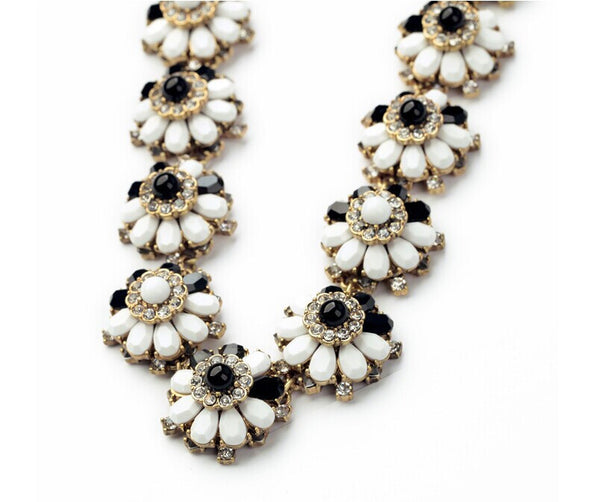 Black & White Primrose Collar - Girl Intuitive