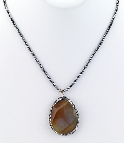 Agate Pendant Beaded Necklace - Girl Intuitive