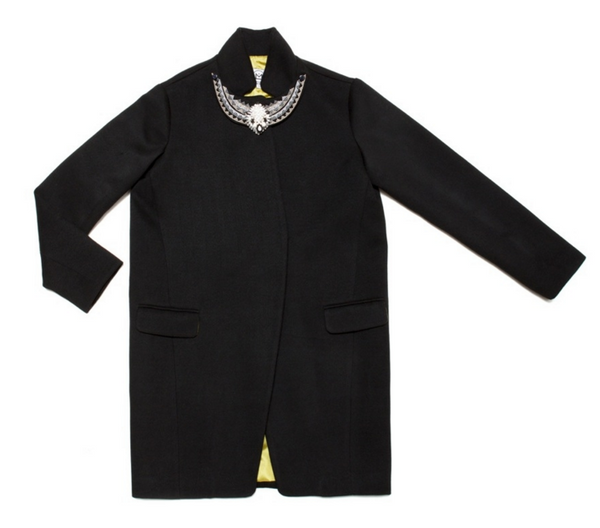 Amenapih Bulgaria Coat Black - Girl Intuitive