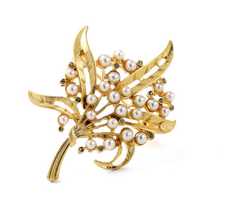 Gold Leaf Pearl Brooche