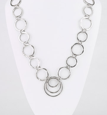 Hammered Hoop Links Long Necklace