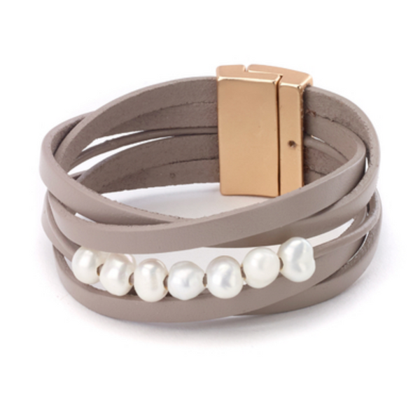 Leather Bracelet with Pearls taupe
