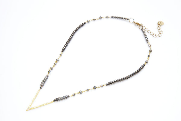 Nakamol V-Necklace