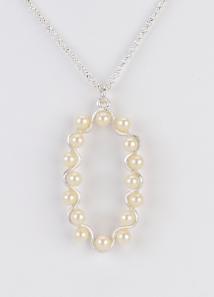 Oval Pendant Necklace with Pearl Swirl silver