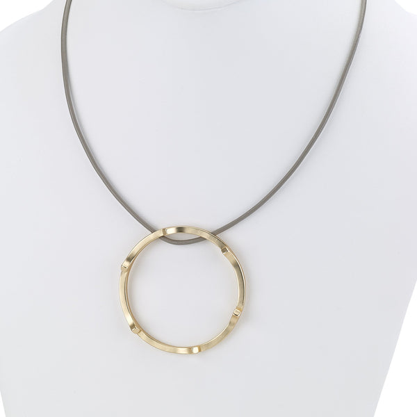 Short Modern Necklace with Modern Ring gold