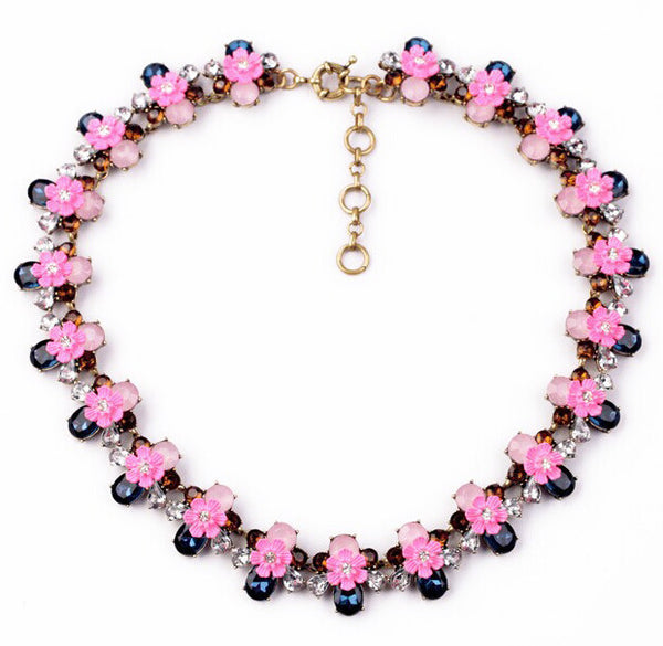 Lovely Rose Collar Necklace