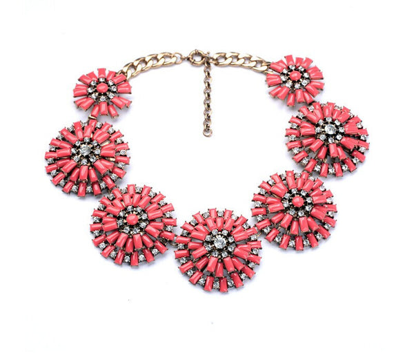 Smashing Fandango Statement Necklace