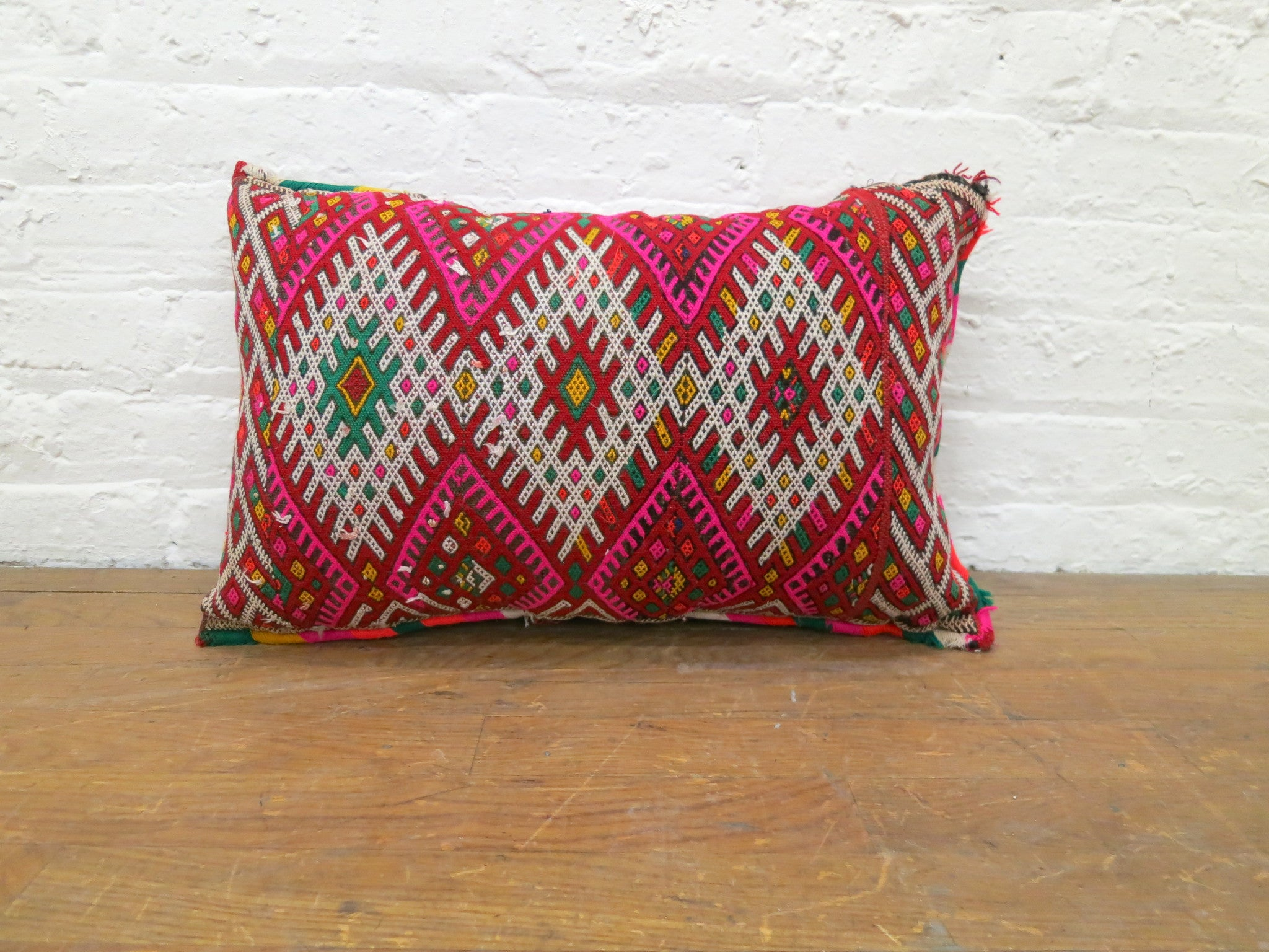 'ROSEBUD'  BERBER WOOL PILLOW - Maven Collection