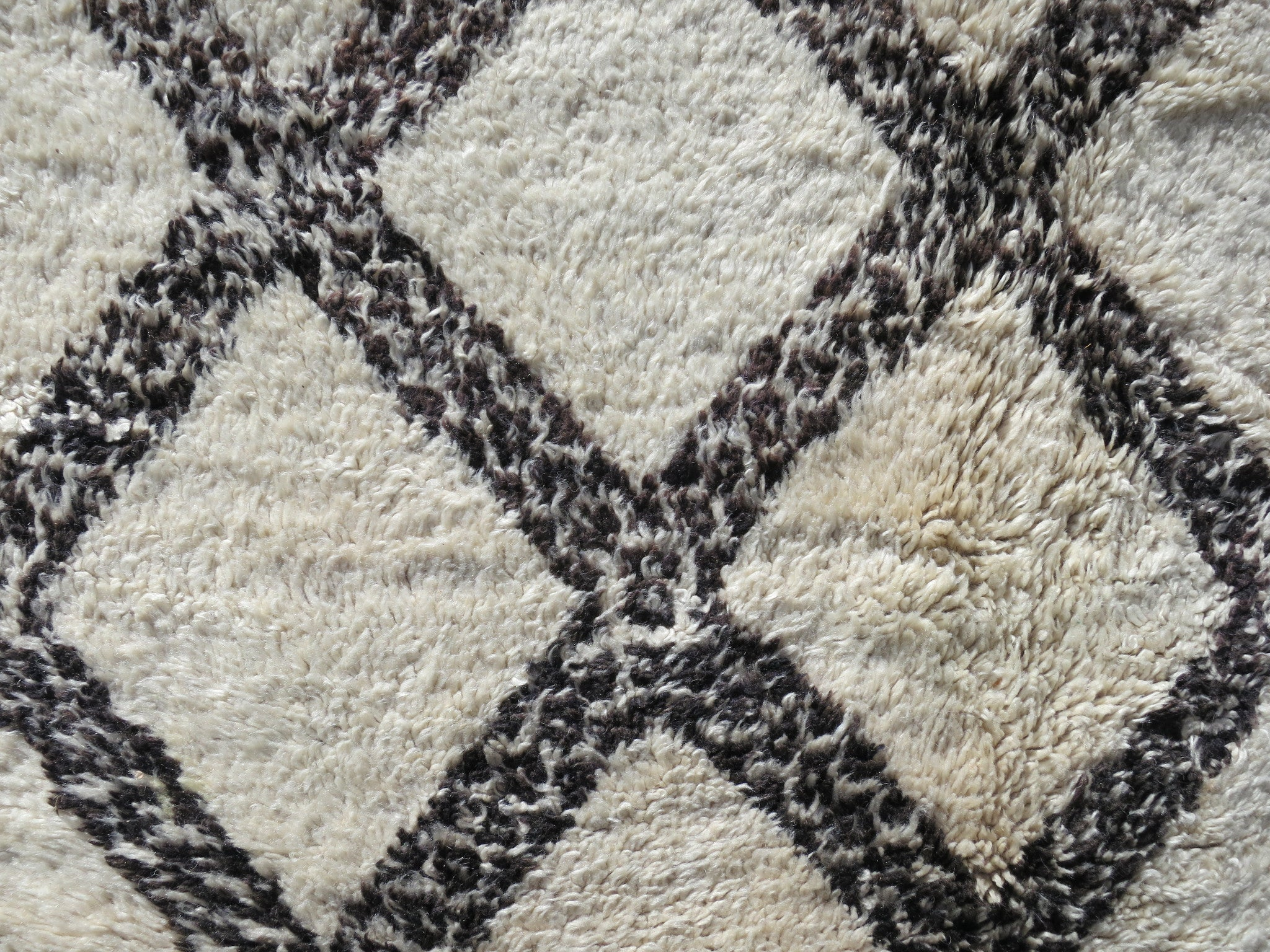 CROSS ROADS  Vintage Moroccan Beni Ourain Rug