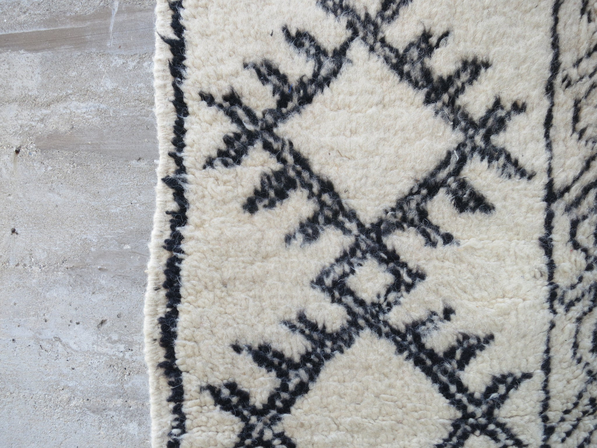 'Bennett'  Vintage Moroccan Beni Ourain Rug - Maven Collection