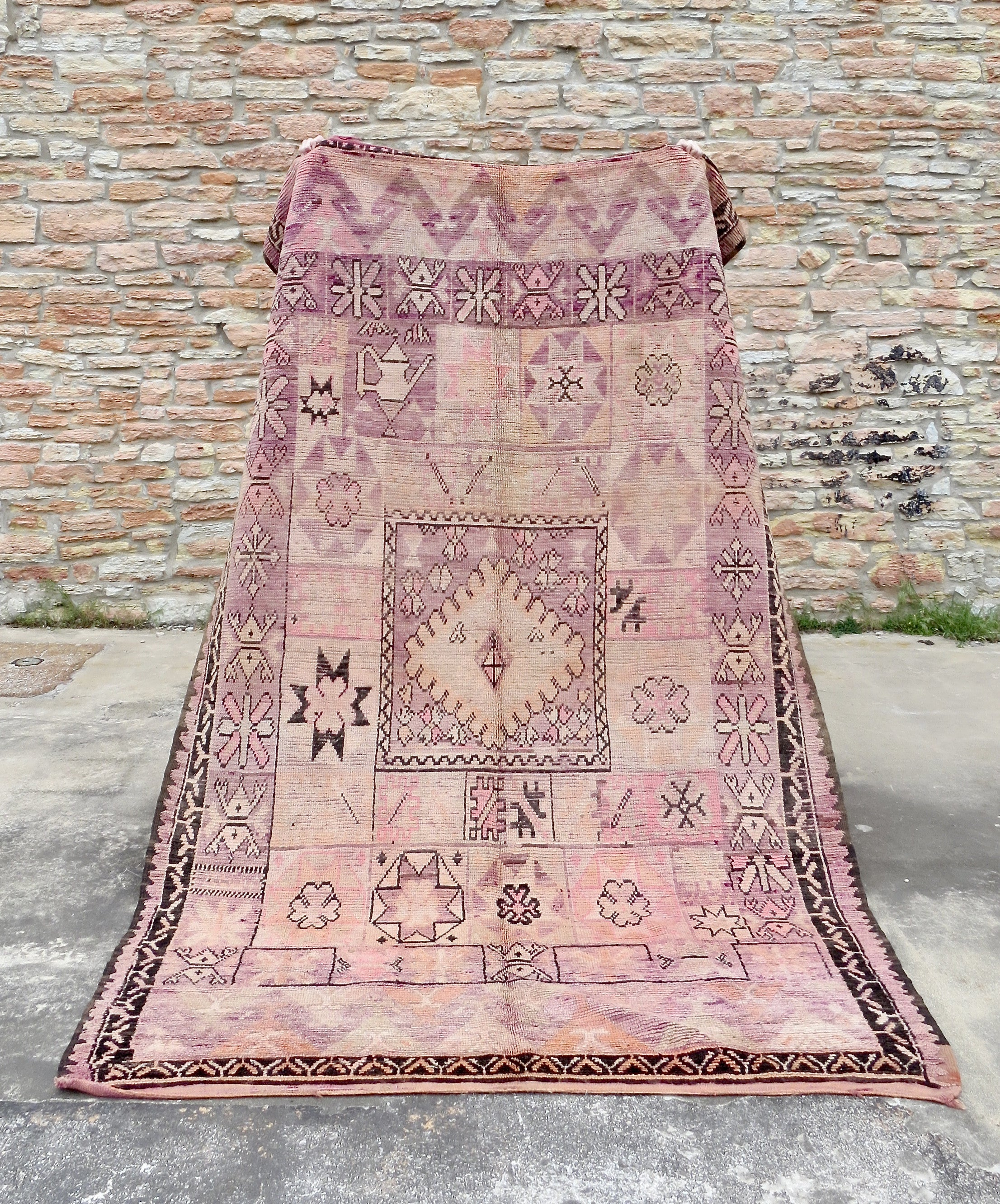 'Tea Time' Vintage Boujaad Rug - Maven Collection