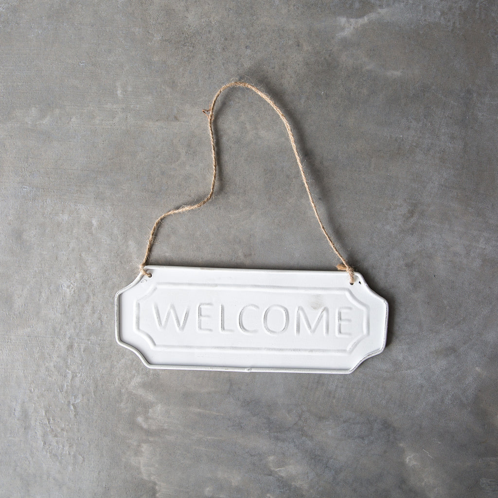 "Vintage-Style ""Welcome"" Sign"