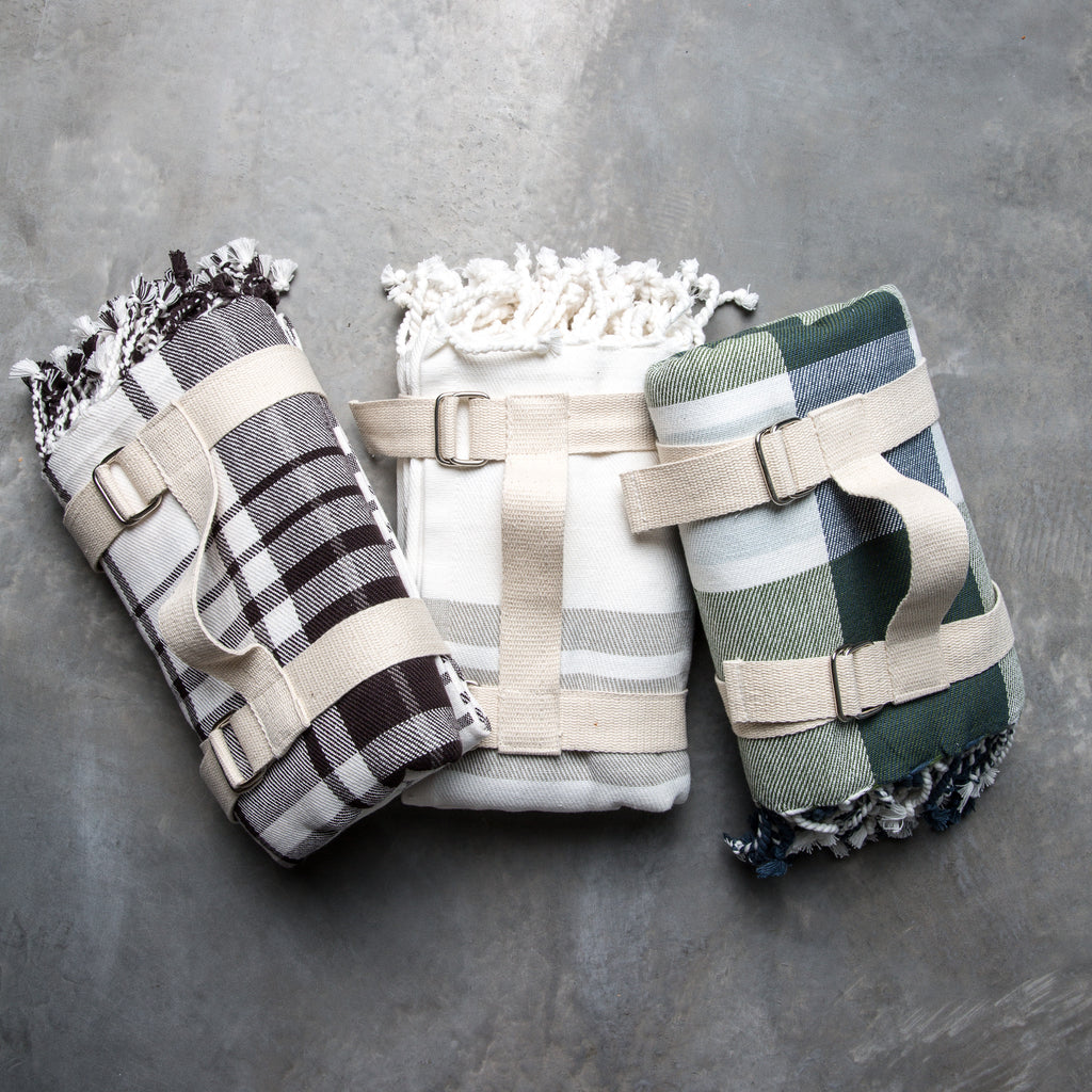 Picnic Throw with Carry Strap
