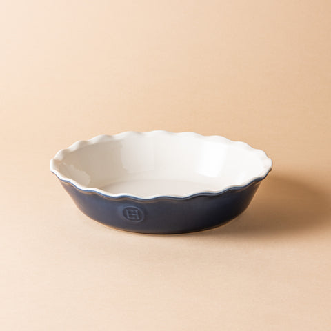 emile henry round pie baking dish in twilight blue