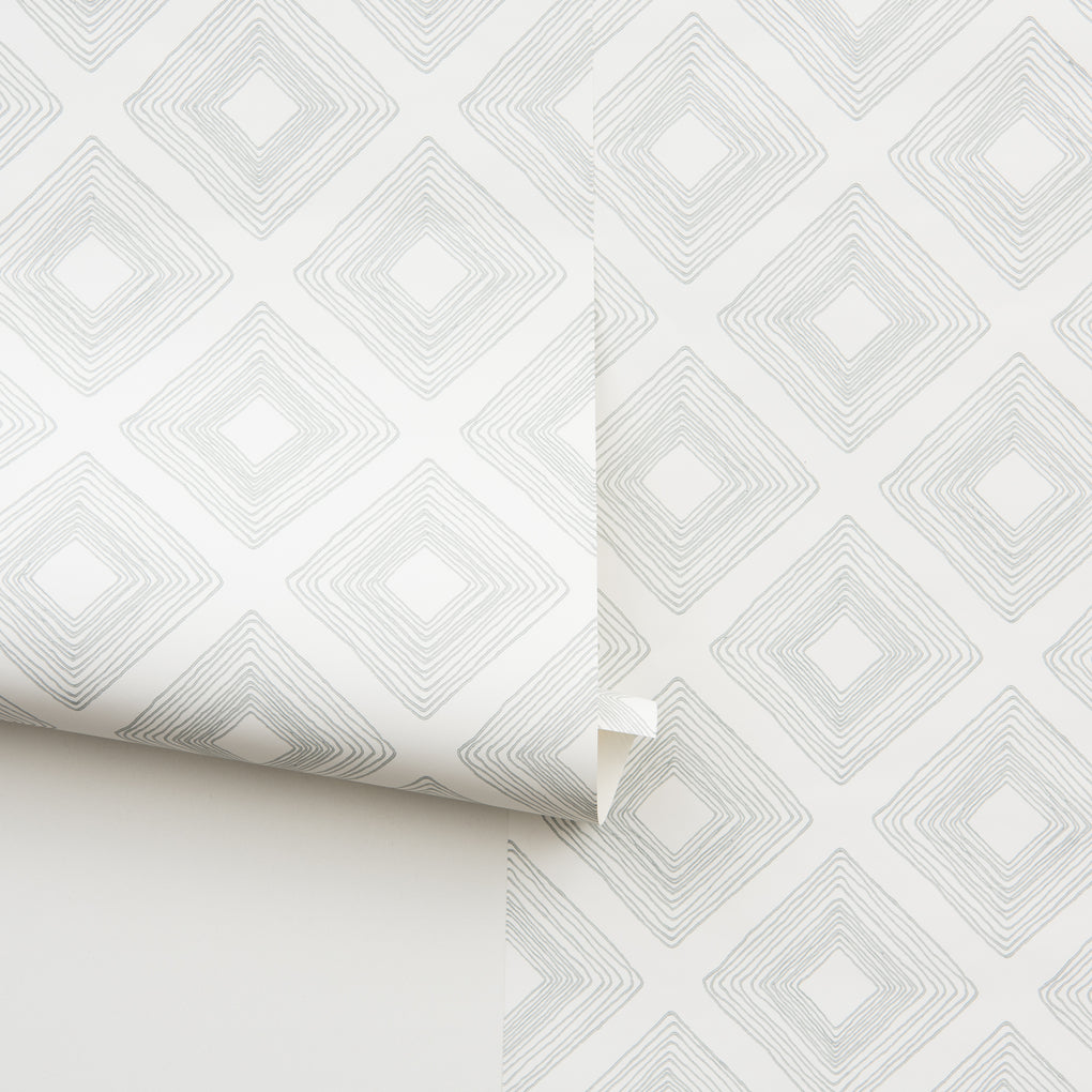 grey geometrical diamonds on white wallpaper