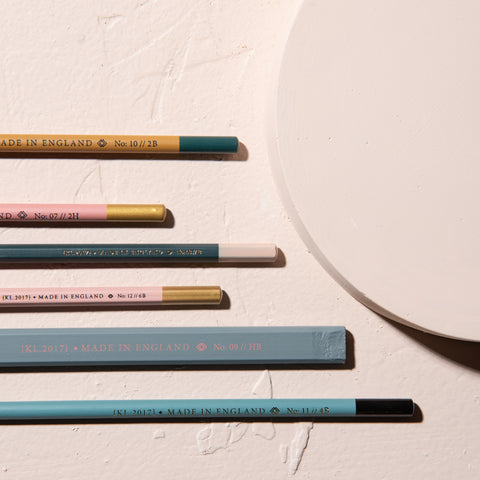 assorted pencil set