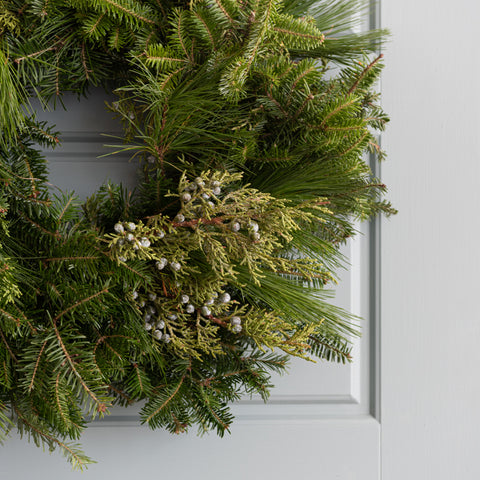 "24"" Fresh Cut Mixed Greenery Wreath"