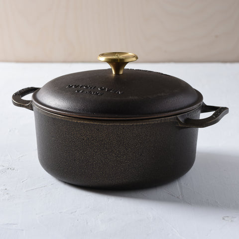 Smithey 2.5 quart polished cast iron dutch oven