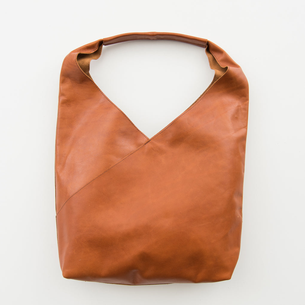 SADDLE BROWN LEATHER TOTE