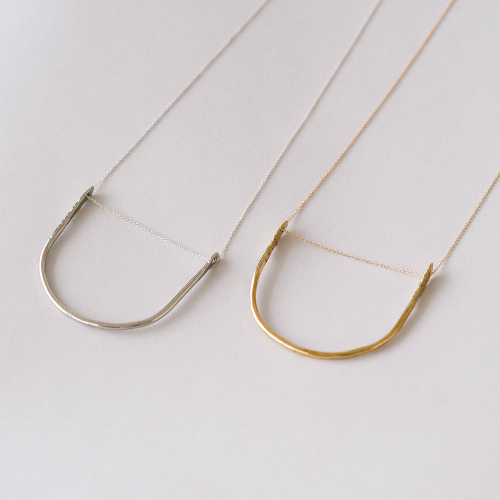 arched pendant necklace