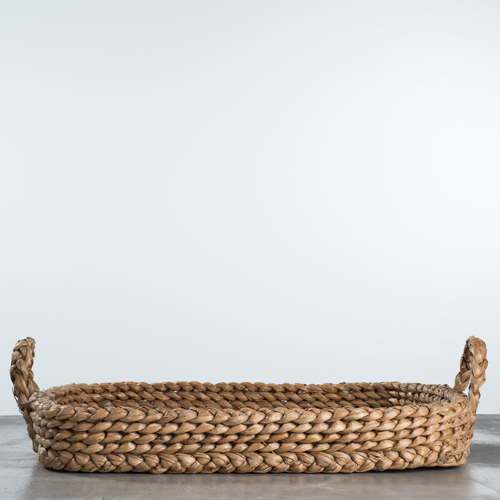 braided seagrass tray with handles