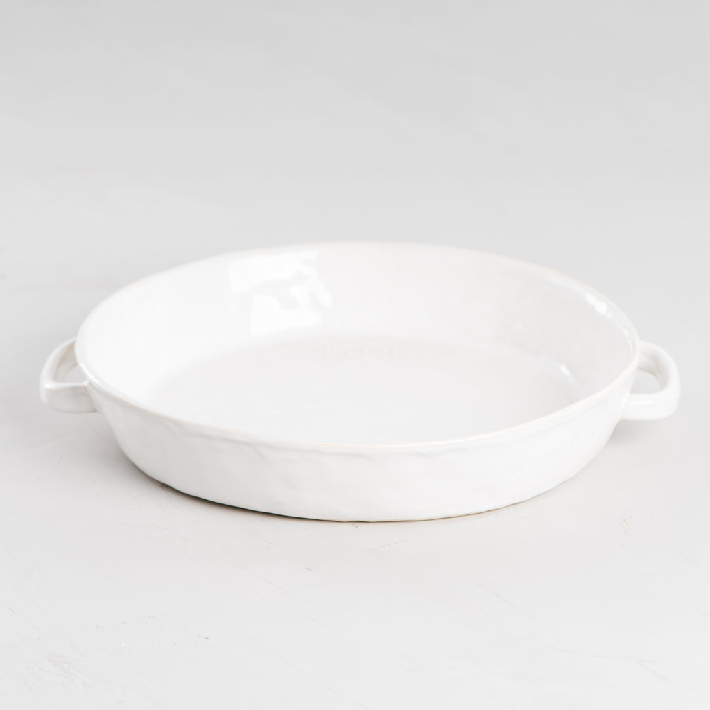 white ceramic pie pan