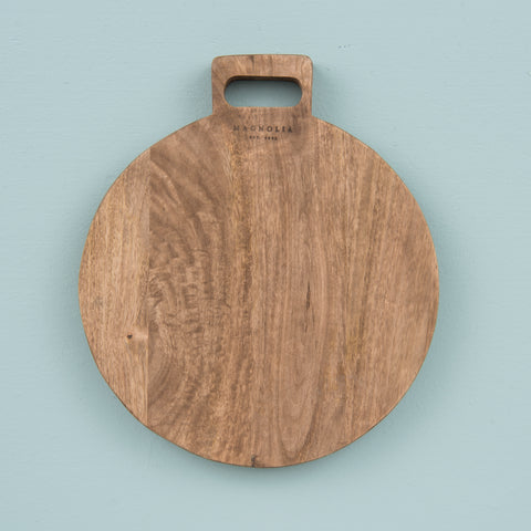 mango wood circle cutting board with handle