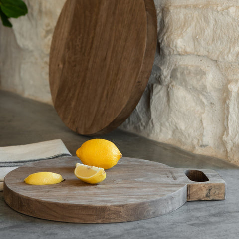 small mango wood round cutting board with handle